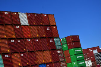 The Port of Newcastle wants to compete with Port Botany on container imports and exports but would be forced to pay compensation if it becomes a serious rival.