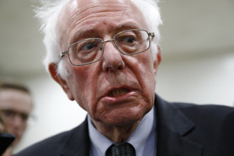 Bernie Sanders always looks like he's running for a bus, according to Larry David.