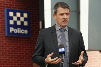 Victorian police association secretary Wayne Gatt said roving police patrols would be a more efficient approach than a so-called ring of steel.