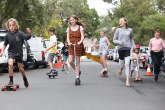 Waverley Council has been overwhelmed  with interest after it asked residents if they'd like to close their streets for a few hours every week so kids can play.