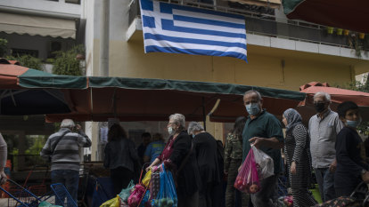Greece orders nationwide lockdown to curb 'aggressive' COVID-19 resurgence