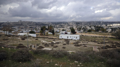 Israel approves hundreds of settlement homes in last-minute push