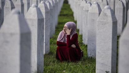 Srebrenica massacre leaves its mark 25 years on