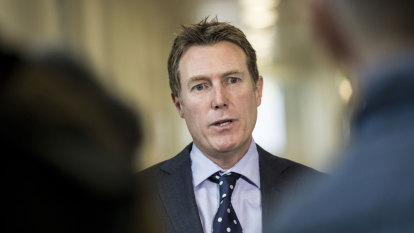 Liberals dig in to their last man and taxpayers' last dollar