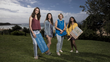 Independent candidate for Warringah, Zali Steggall, with young climate activists (L-R) Vivienne Paduch (15), Alexia Giannesini (16) and Manjot Kaur (17) at Freshwater Beach.