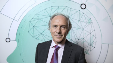 Dr Alan Finkel has defended his position on the use of natural gas following criticism from a group of Australian climate scientists.