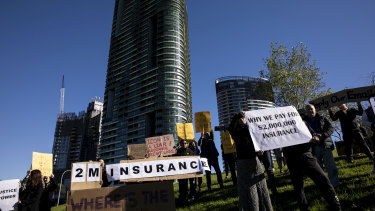 Owners of the Opal Tower at Homebush protest over repair costs.