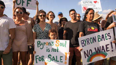 Byron Bay locals want the Netflix show Byron Baes to be shut down.