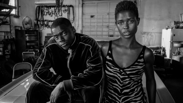 Slim (Daniel Kaluuya) and Queen (Jodie Turner-Smith) go on the run after the death of a police officer in Queen and Slim.