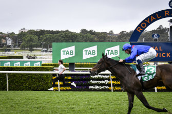 """Rohan Browning beats Lost And Running in the """"Fastest Race on Turf' at Royal Randwick."""