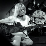 Kim Gordon plays Selina's at Coogee in the early 1990s.