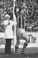 Peter Hudson celebrates a Hawthorn goal in 1977.