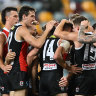 As it happened: St Kilda Saints hold off fast-finishing Western Bulldogs to win an epic elimination final