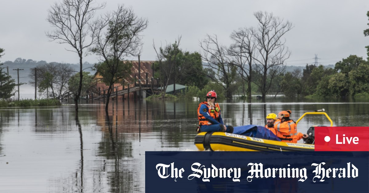 NSW floods LIVE updates: Wild weather moves towards South Coast as clearer skies appear over Sydney Mid North Coast – The Sydney Morning Herald
