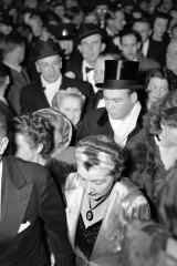 Dressed to the nines: crowds at the opening night of the Olivier season at the Tivoli Theatre on June 29, 1948.
