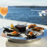 Zac Efron dined on seafood at Catalina in Rose Bay.