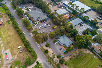 The tavern occupies a large 1.6 hectare site in Terrey Hills.
