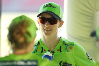 "National vice-captain Rachael Haynes has encouraged cricket players to remain ""open-minded"" amid major backlash over new rules introduced into the Big Bash League."