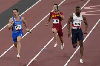 Italy on their way to winning the men's 4 x 100m relay.