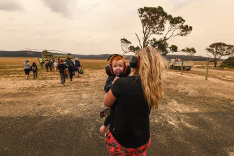 Families with small children are finally evacuated from Mallacoota.