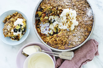 Nectarine and blueberry crumble cake.