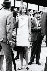 Short shift: English model Jean Shrimpton at Flemington Racecourse on Derby Day in November 1965.