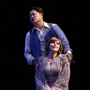 Yoseph Kang as Rodolfo and Maija Kovalevska as Mimi.