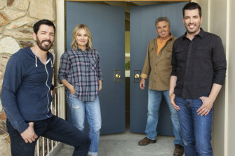 Christopher Knight, rear right, with his former Brady Bunch co-star Maureen McCormick and HGTV hosts Jonathan and Drew Scott.