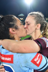 Vanessa Foliaki and Karina Brown kiss after Origin in 2018.
