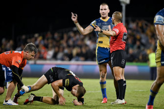 Eels captain Clint Gutherson argues with referee Ashley Klein for the 2334th time on Saturday night.