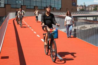 Copenhagen's elevated Bicycle Snake.