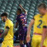 Glory snap winless streak as Mariners equal record number of defeats