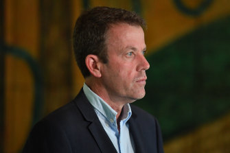 Education Minister Dan Tehan has urged independent schools to reopen.