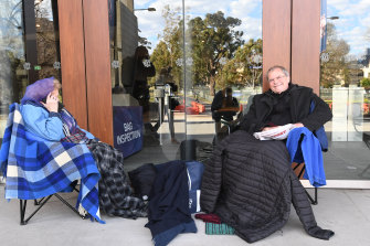 Gary Marchant and his mother Joy camp out for seats at the 2018 grand final