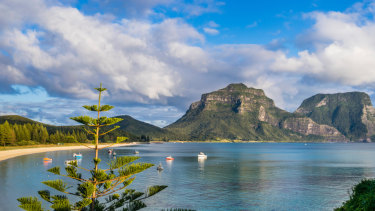 A new hybrid renewable energy microgrid on Lord Howe Island will reduce energy costs and emissions.