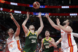Jock Landale, centre, in action at the 2019 FIBA World Cup semi-finals.
