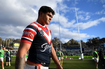 Latrell Mitchell has announced his departure from the Roosters, but there is a sticking point in his contract negotiations before he can sign with the Rabbitohs.