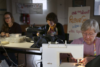 The Repair Cafe Sydney North specialises in clothing, shoe and jewellery repairs.