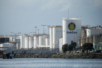 The ACCC has given a green light to GrainCorp's plan to sell its bulk liquid terminals business for $332m.