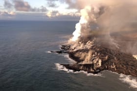Hawaii has 280 hectares of new land, thanks to volcano
