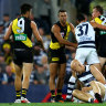 Cats hold a one point lead in thriller opening quarter, Ablett returns to play