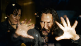 Keanu Reeves and Carrie Moss in The MatrixResurrections.