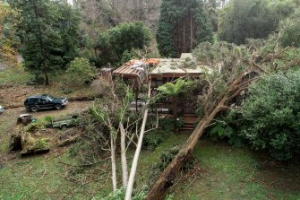 Thousands of people are still without power in Victoria, many of them in the Dandenongs.