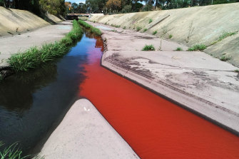 The EPA has warned people to avoid contact with Stony Creek after a section in Yarraville turned red.