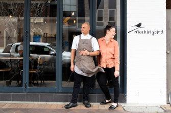 Tess dan James Borg pada hari pertama kafe mereka, Mockingbird Cafe, dibuka kembali setelah dikunci.