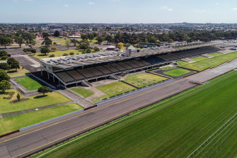 The Melbourne Racing Club has paused plans to rezone its Sandown racecourse and sell it for housing.