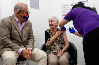 Jane Malysiak recieved Australia's first COVID-19 vaccination.