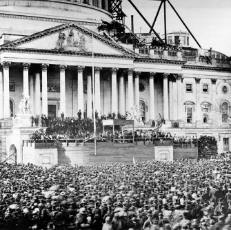 Crowds at Abraham Lincoln's inaugural speech in 1861.