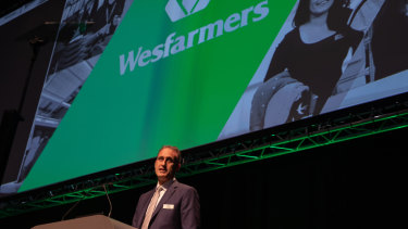 Wesfarmers boss Rob Scott addresses the company's 2018 annual general meeting.