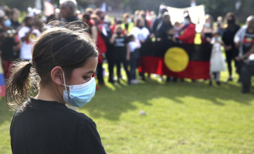 Inner circle reflects on Indigenous deaths in custody before tensions rise at Sydney rally